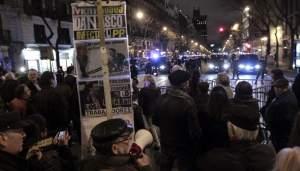 Manifestación frente a la sede del PP, este viernes