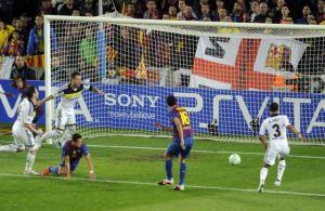 busquets-scoring-1-0-barcelona-against-chelsea-2012-el-pais-pierre-marcou