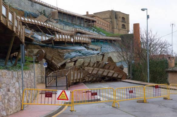 El derrumbe de la pasarela de Benavente Foto: Claudio de la Cal